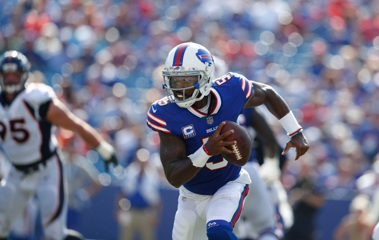Buffalo Bills quarterback Tyrod Taylor was 10 of 10 on first-down passes. (Mark Mulville/Buffalo News)
