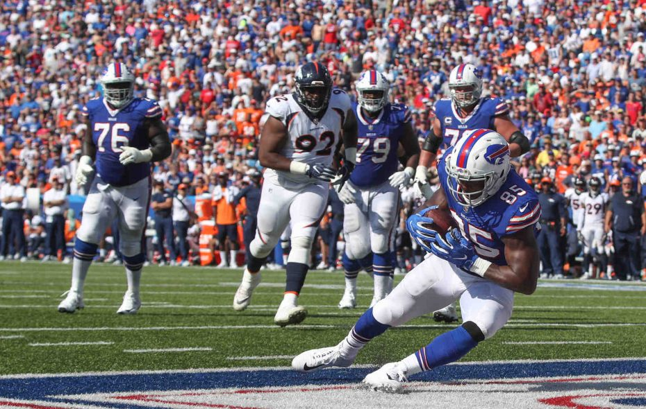 Buffalo Bills tight end Charles Clay pulls in a short pass from Taylor for a touchdown against the Broncos in the third quarter at New Era Field in Orchard Park N.Y. on Sunday, Sept. 24, 2017.  (James P. McCoy / Buffalo News)