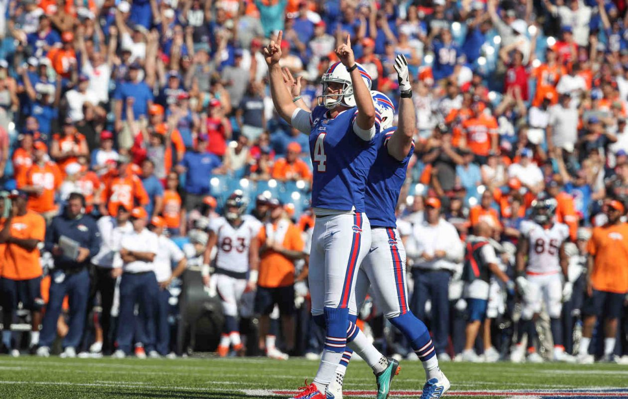 Buffalo Bills kicker Stephen Hauschka (4) celebrates his field goal against the Broncos in the second quarter at New Era Field in Orchard Park N.Y. on Sunday, Sept. 24, 2017.  (James P. McCoy / Buffalo News)