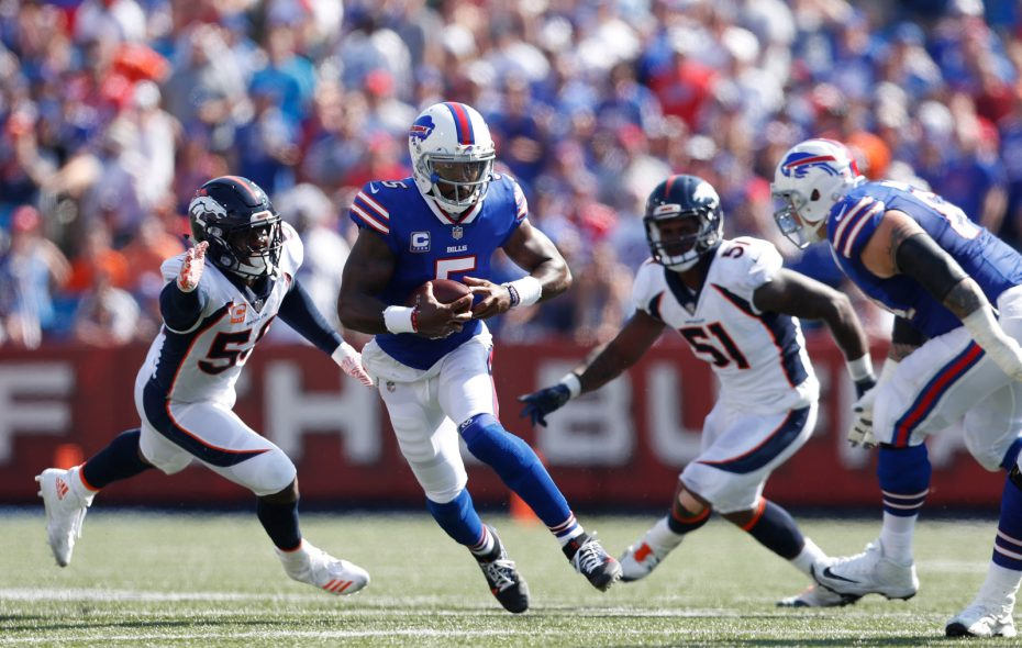 Buffalo Bills quarterback Tyrod Taylor (5) runs the ball against the Denver Broncos during the second quarter at New Era Field in Orchard Park on Sunday, Sept. 24, 2017. (Mark Mulville/Buffalo News)