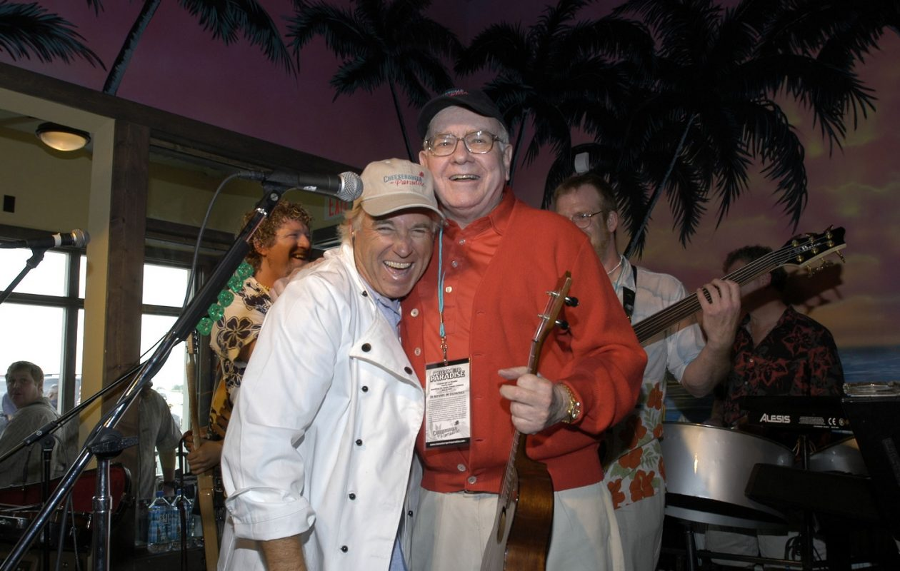 Two Buffetts, no waiting. Singer/songwriter Jimmy Buffett was joined by financier Warren Buffett when the former opened one of his restaurants in 2004. (PRNewsFoto)