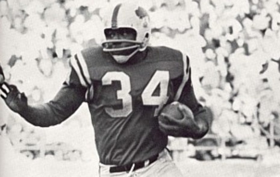 Cookie Gilchrist is the only player in AFL/NFL history to lead either league in rushing touchdowns in four consecutive seasons. (File photo)