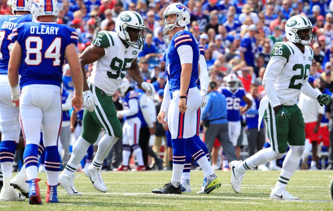 Stephen Hauschka misses a 46-yard field goal against the Jets. (Harry Scull Jr./Buffalo News)