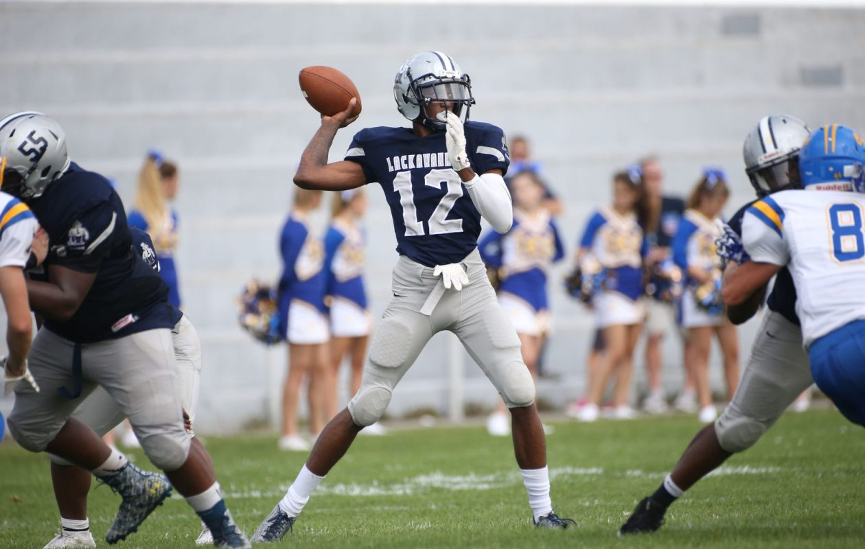 Noble Smith completed 10-of-15 passes, with six of the completions coming on a scoring drive in the final two minutes of the second quarter, during Lackawanna's victory. (Derek Gee/Buffalo News)