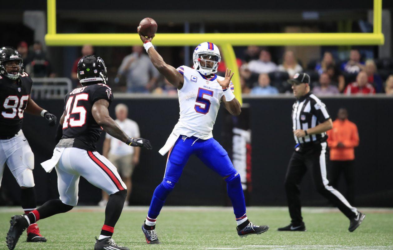 Buffalo Bills quarterback Tyrod Taylor throws against the Atlanta Falcons. (Harry Scull Jr./Buffalo News)
