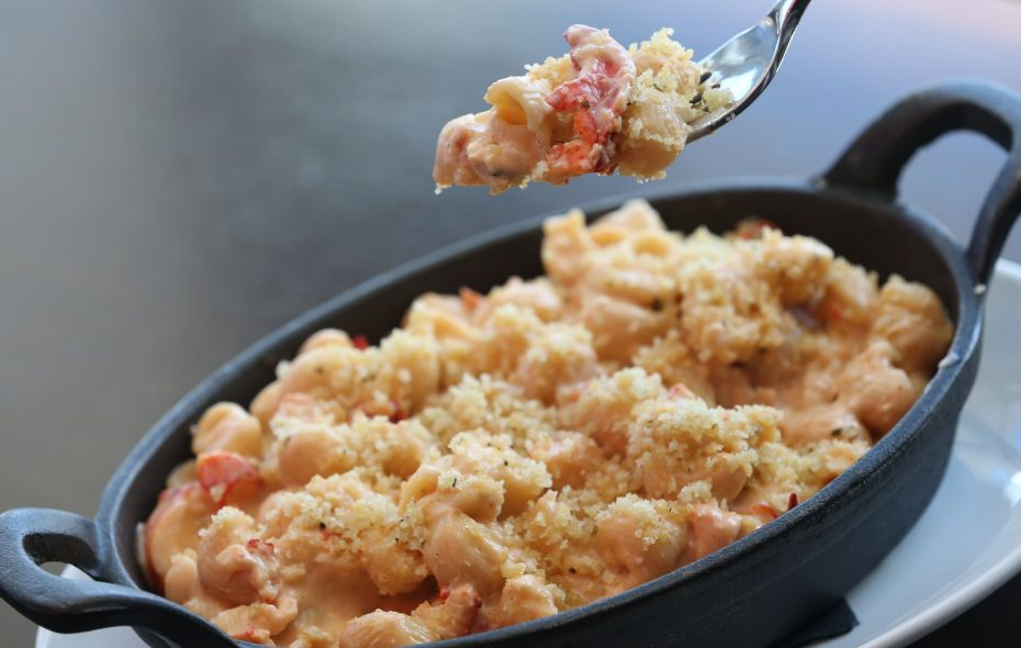 Sear's lobster macaroni and cheese. (Sharon Cantillon/News file photo)