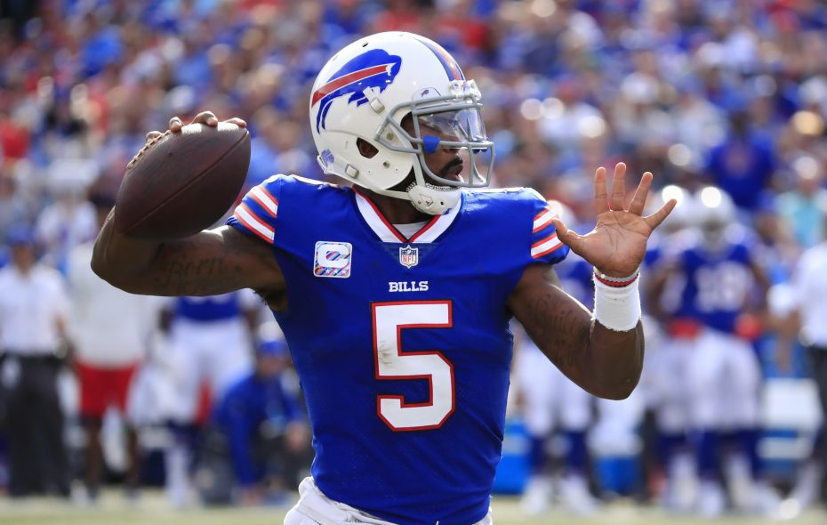 Buffalo Bills quarterback Tyrod Taylor throws against the Tampa Bay Buccaneers during the second quarter of an NFL football game at New Era Field on Sunday, Oct. 22, 2017. (Harry Scull Jr./ Buffalo News)
