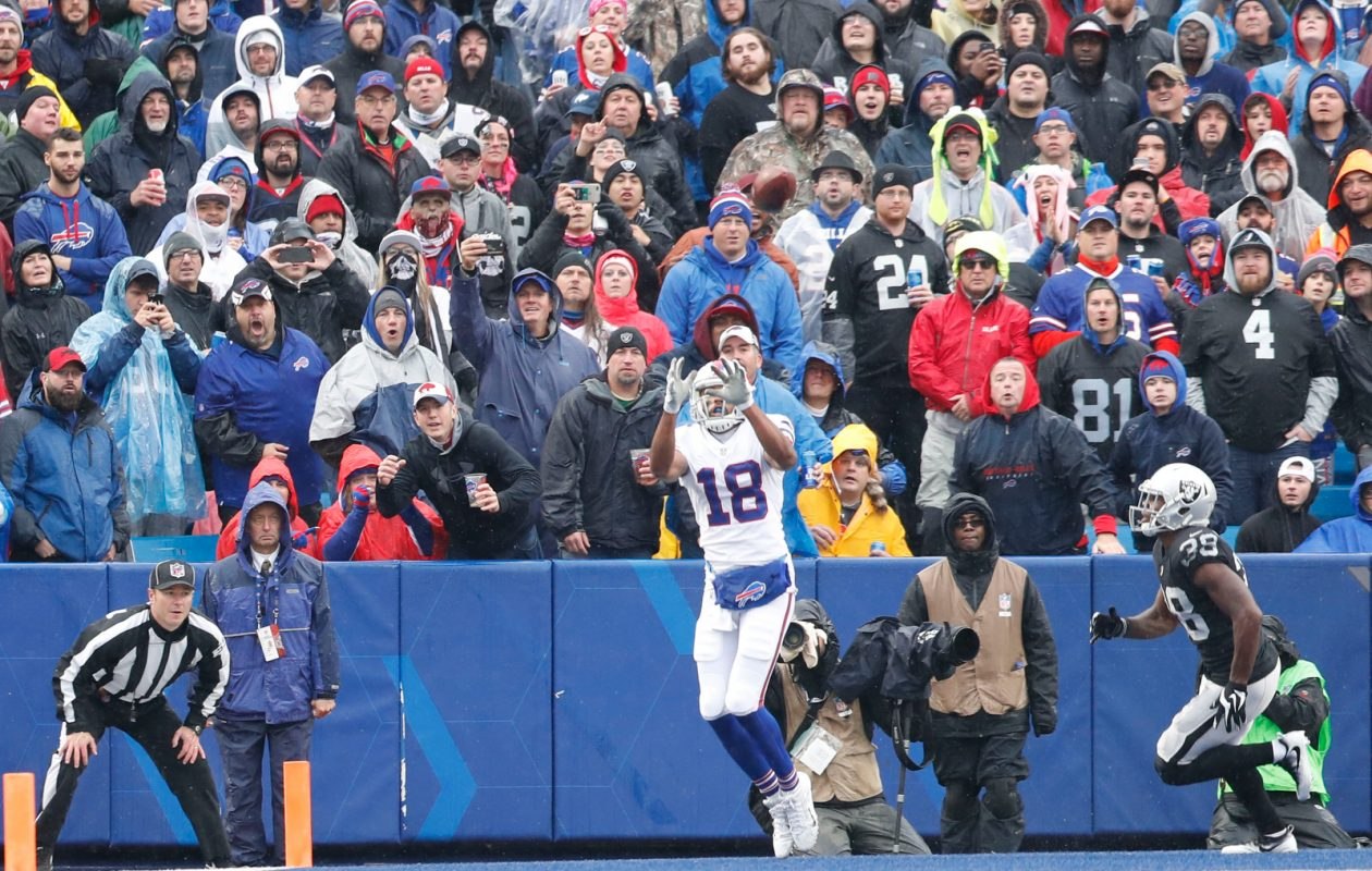 Bills receiver Andre Holmes scores a touchdown in the second quarter against his former team. (Mark Mulville/Buffalo News)
