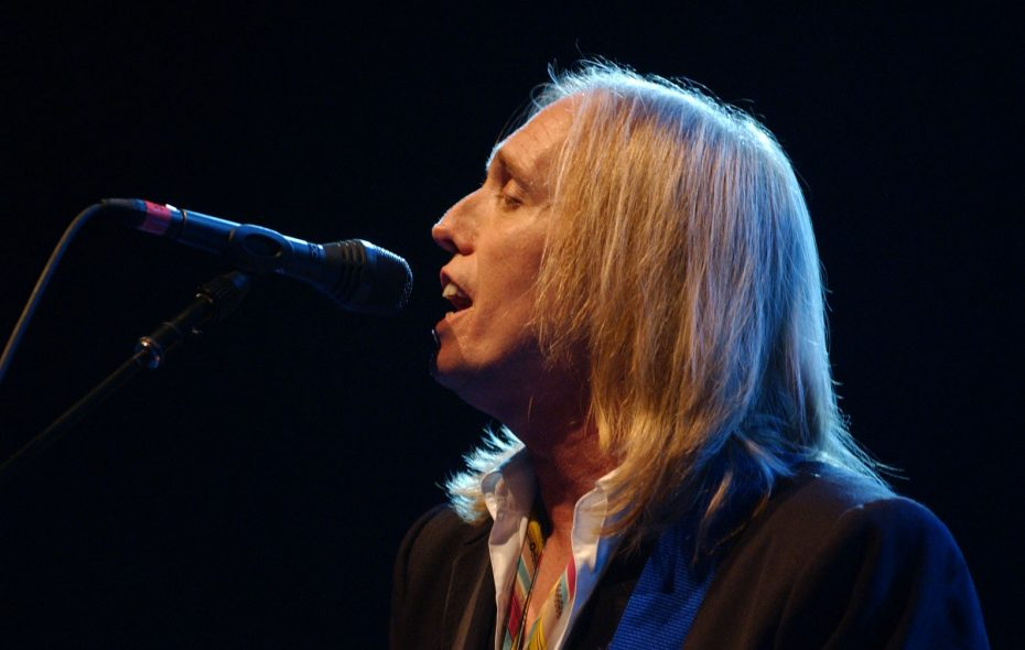Tom Petty in concert in 2002 at Darien Lake. The legendary rocker died Monday at the age of 66. (Sharon Cantillon/Buffalo News)