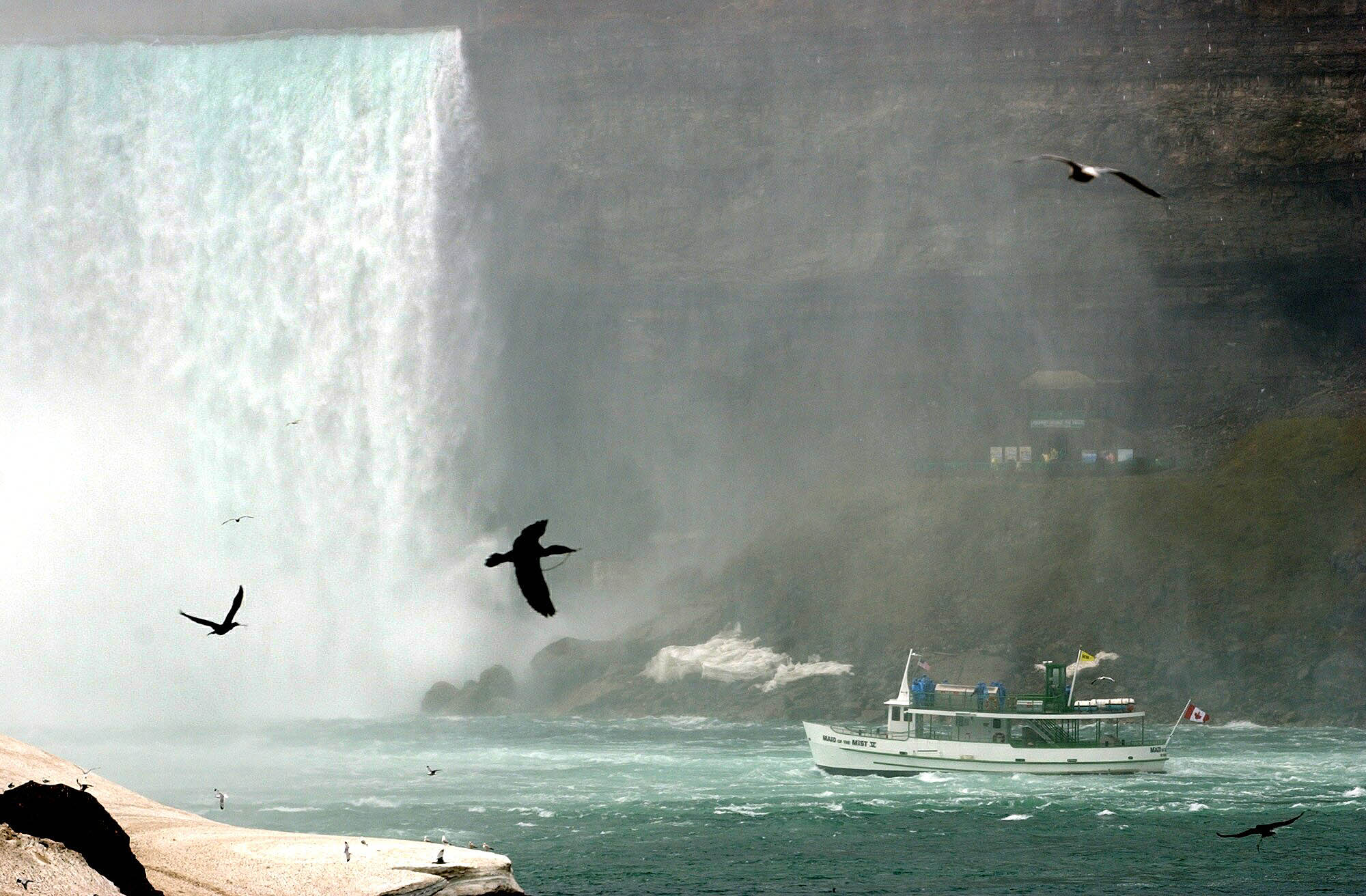 Maid of the Mist, Hornblower wont begin boat rides until ice clears from river