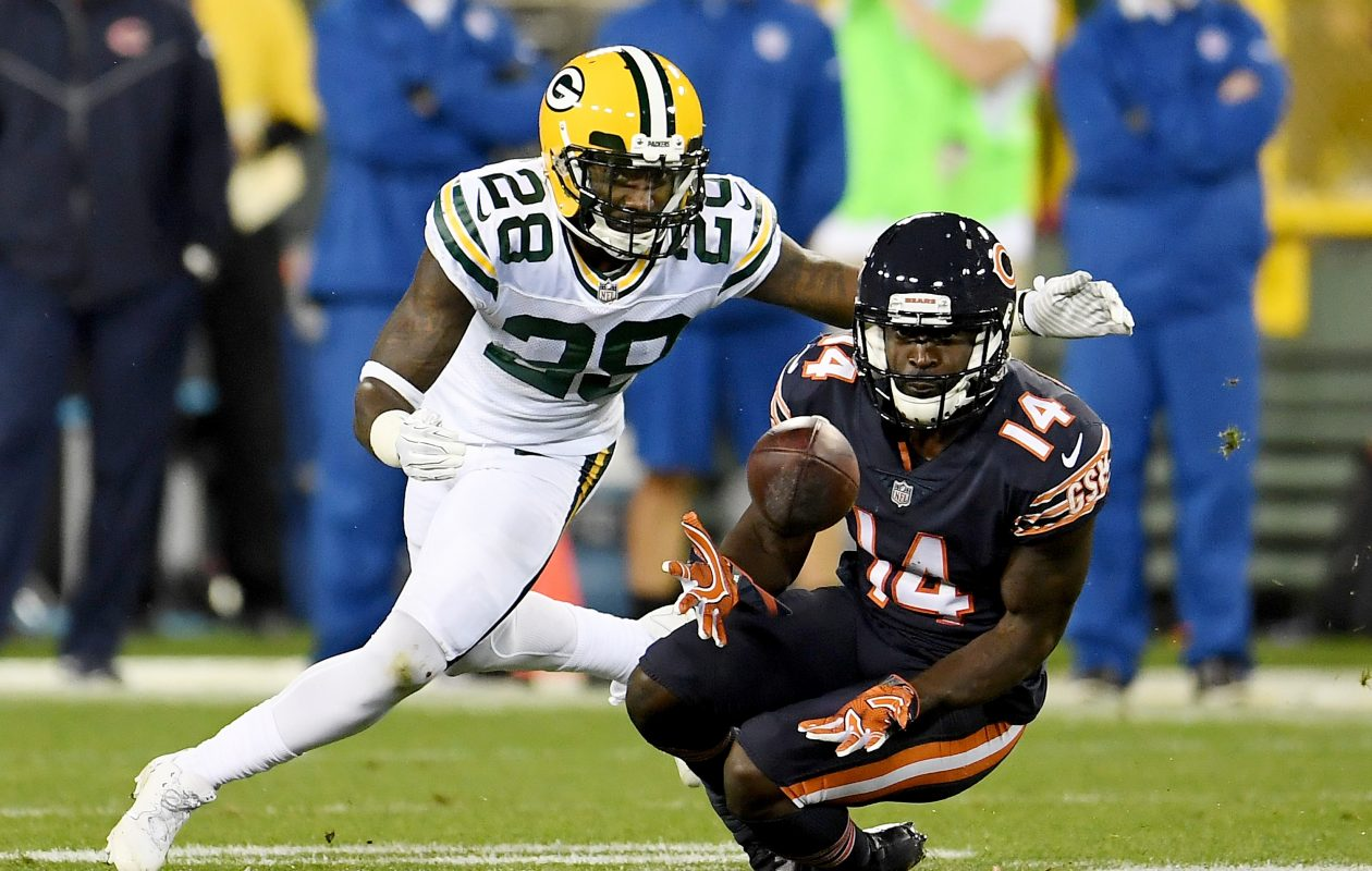 Deonte Thompson of the Chicago Bears makes a catch in front of Josh Hawkins of the Green Bay Packers on Sept. 28, 2017. (Photo by Stacy Revere/Getty Images)