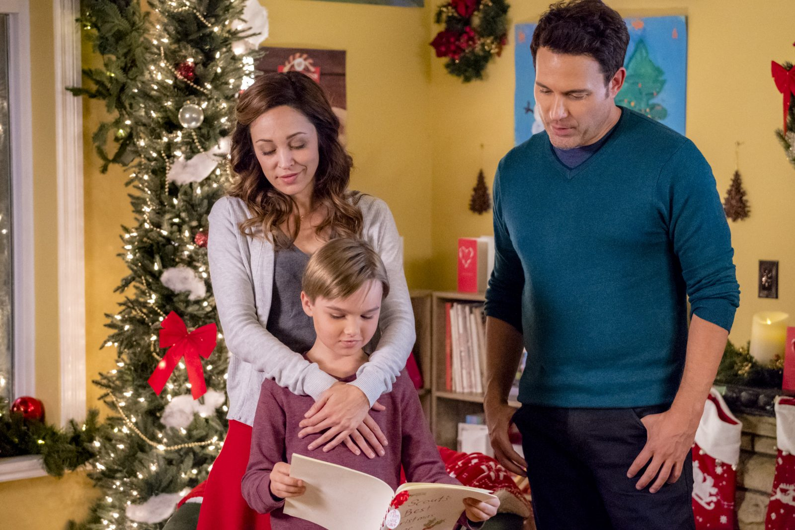 autumn reeser david haydn jones and liam hughes star in a bramble house christmas new on hallmark movies mysteries crown media united states