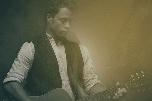Amos Lee will play UB's Center for the Arts on Oct. 23.