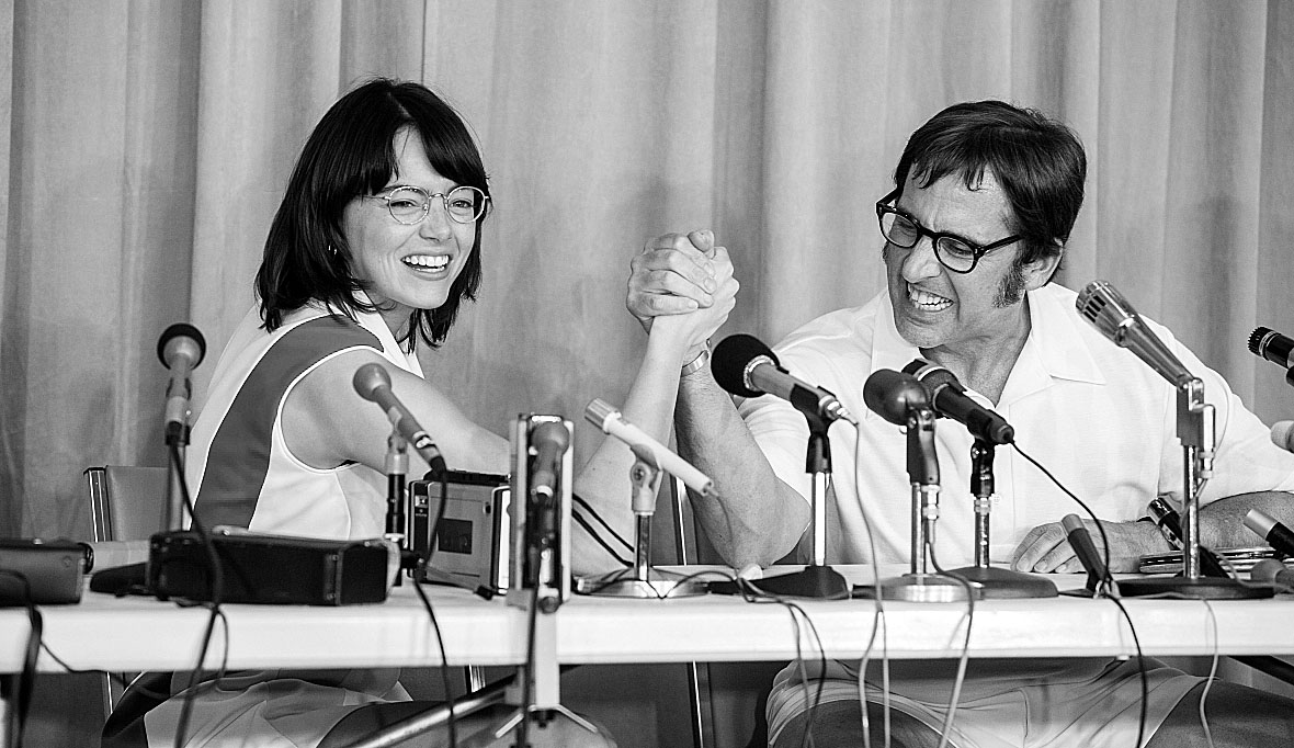 Emma Stone and Steve Carell in the film BATTLE OF THE SEXES.