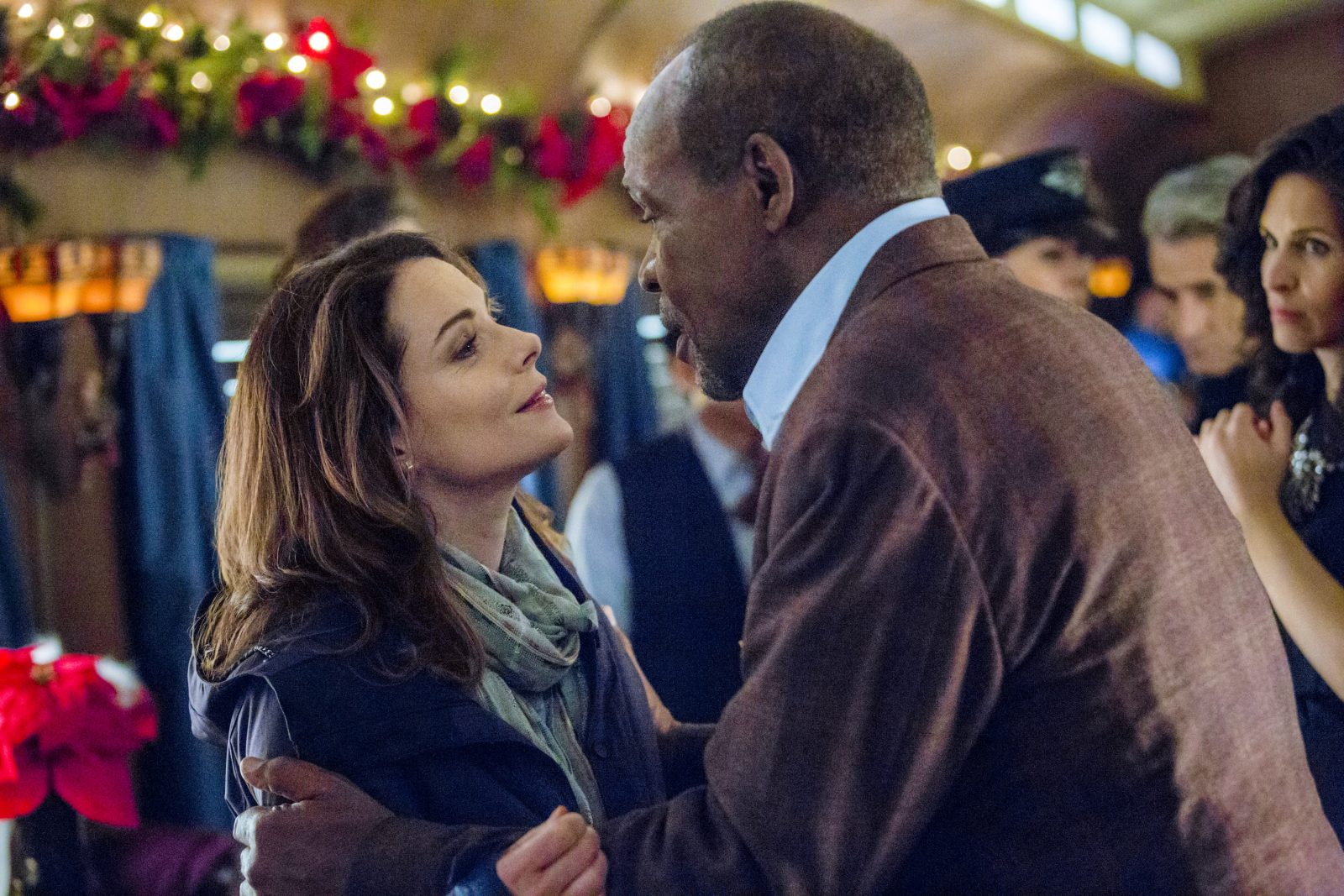 Christmas Train Cast.Christmas Movies Arrive On The Hallmark Networks The