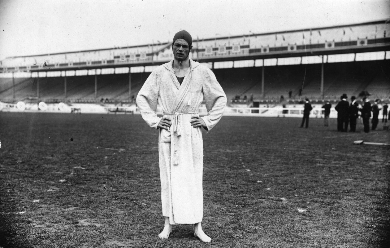 July 1908:  Charles Daniels of the USA at the 1908 London Olympics. Daniels won five Olympic swimming gold medals between 1904 and 1908, including the 100 metres freestyle in London, as well as one silver and two bronze.  (Photo by Topical Press Agency/Getty Images)
