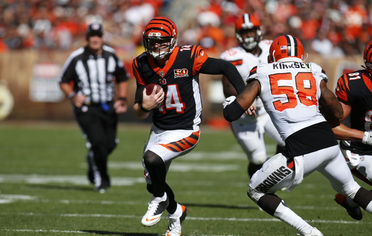 Quarterback Andy Dalton of the Cincinnati Bengals runs the ball on Oct. 1, 2017. (Photo by Justin Aller/Getty Images)