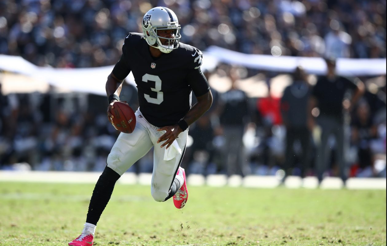 EJ Manuel of the Oakland Raiders runs with the ball.  (Getty Images)