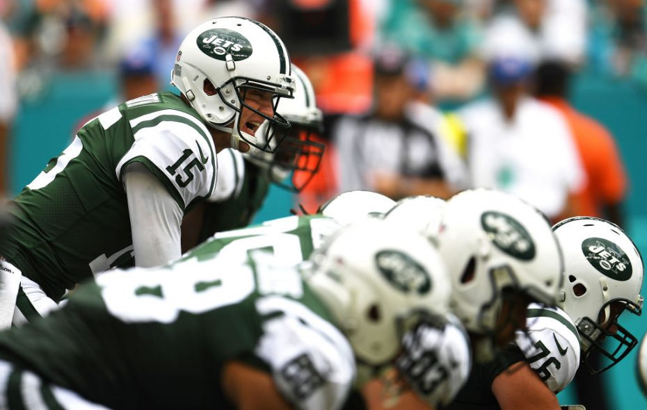 New York Jets quarterback Josh McCown has strong numbers. (Getty Images)
