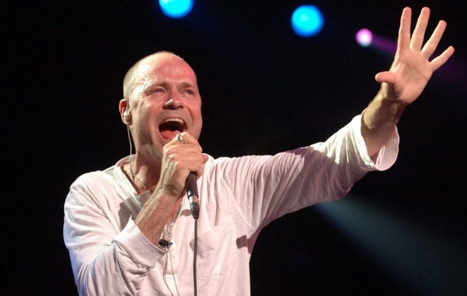 Gord Downie, seen here with the Tragically Hip at Artpark in 2006. (Sharon Cantillon)