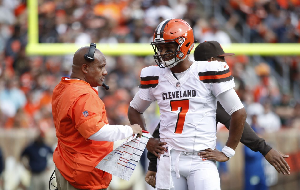 After a 0-5 start and a 1-20 record as the Browns' coach, Hue Jackson decided he had seen enough of rookie DeShone Kizer. (Getty Images)