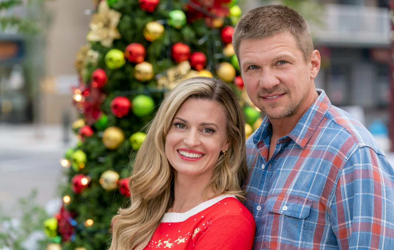Brooke D'Orsay and Marc Blucas star in the new Hallmark holiday movie, 'Miss Christmas.' (Credit:  Crown Media United States LLC/Ricardo Hubbs)