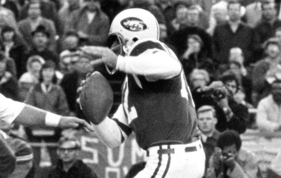 Two touchdown passes by Joe Namath couldn't help the Jets on Oct. 30, 1966, as the Bills held on for a 33-23 win. (Buffalo News file photo)