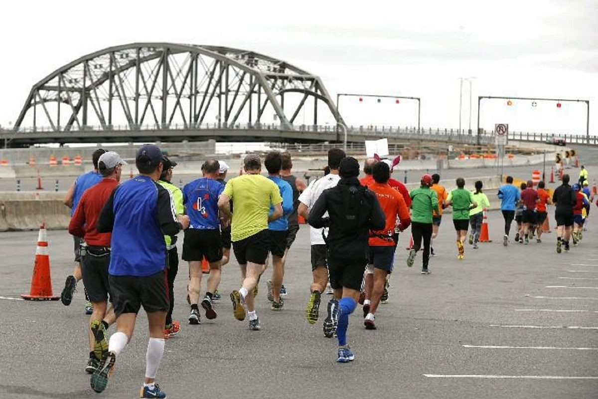 Thousands of runners who will participate Sunday in the Niagara Falls International Marathon will step off the Albright-Knox Art Gallery at 10 a.m., head over the Peace Bridge and on to the Horseshoe Falls. (Robert Kirkham/Buffalo News file photo)