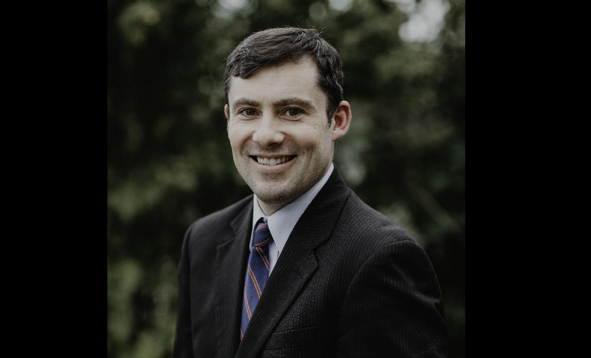 Sean Bunny of East Aurora has officially tossed his hat in the ring to challenge Rep. Chris Collins.