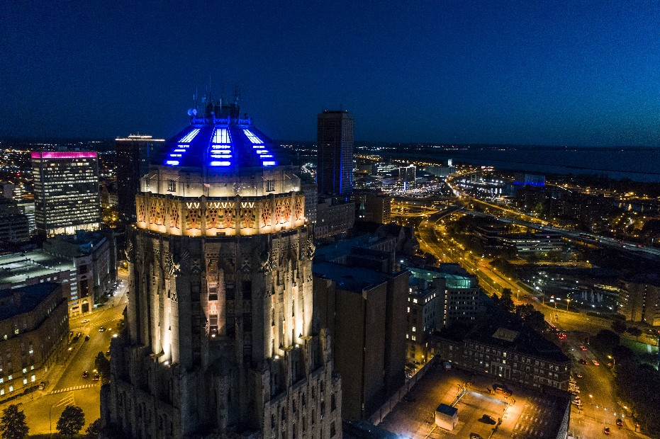 The dome of Buffalo City Hall is illuminated in blue in honor of Buffalo Police Officer Craig Lehner as dusk settles over the city Oct. 20. (Derek Gee/Buffalo News)