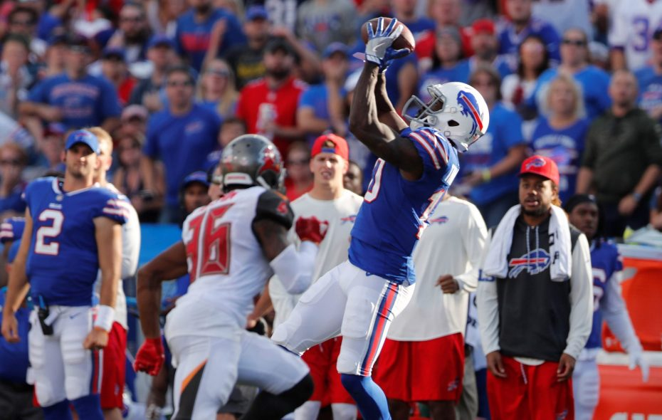 Deonte Thompson makes a big catch late in the fourth quarter against Tampa at New Era Field last season. (Mark Mulville/Buffalo News)