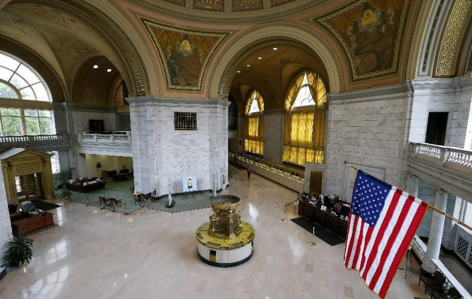 Interior of M&T's branch at Main and Huron. (Mark Mulville/Buffalo News)