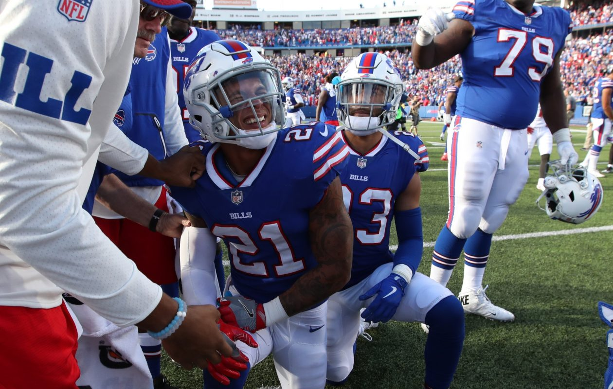 Buffalo Bills free safety Jordan Poyer (21) is being listed as day to day after getting hurt late in the game on Sunday. (James P. McCoy/Buffalo News)