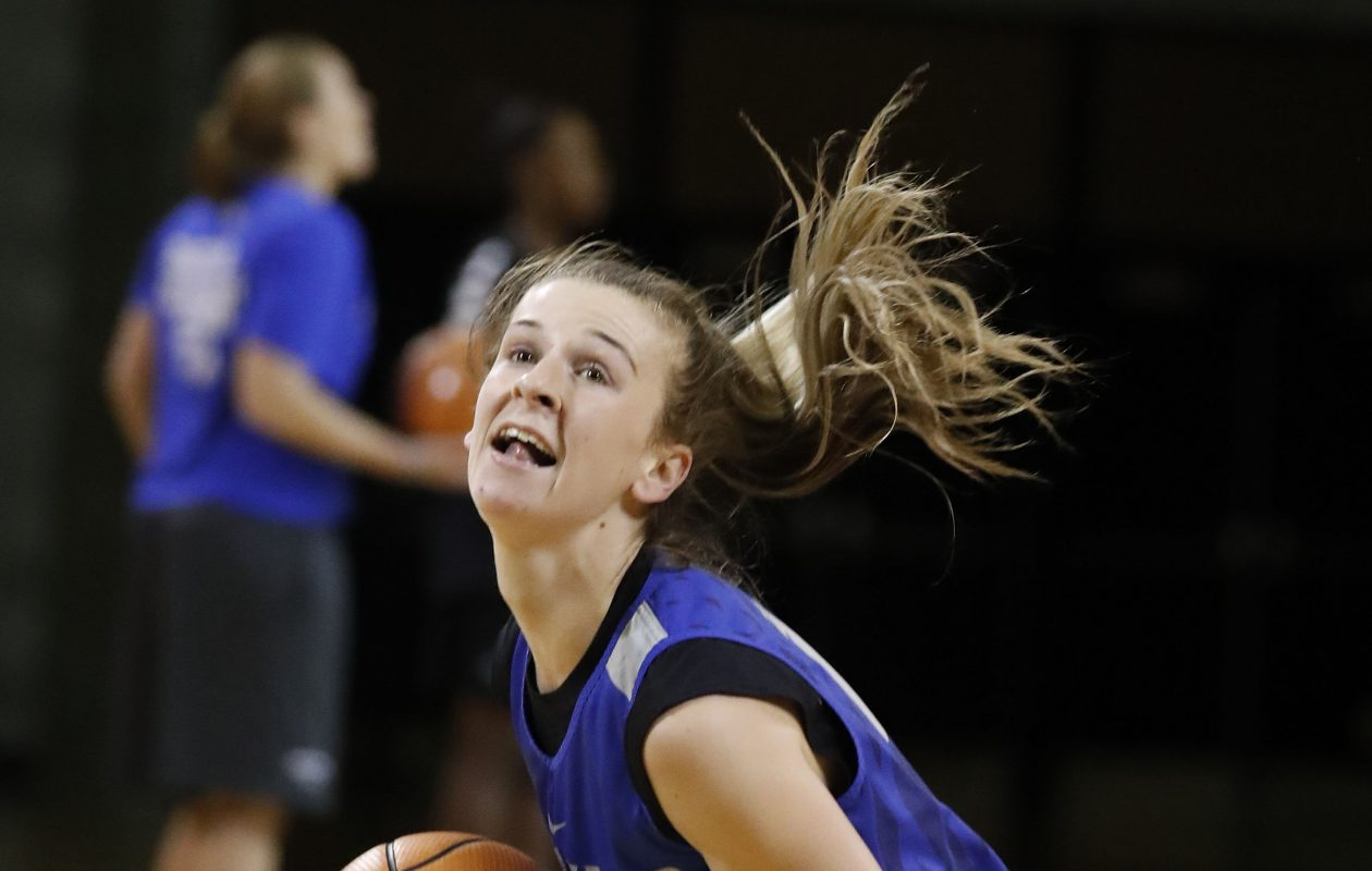 UB's Stephanie Reid picked up her 500th career assist against St. Bonaventure Friday.(Mark Mulville/Buffalo News)