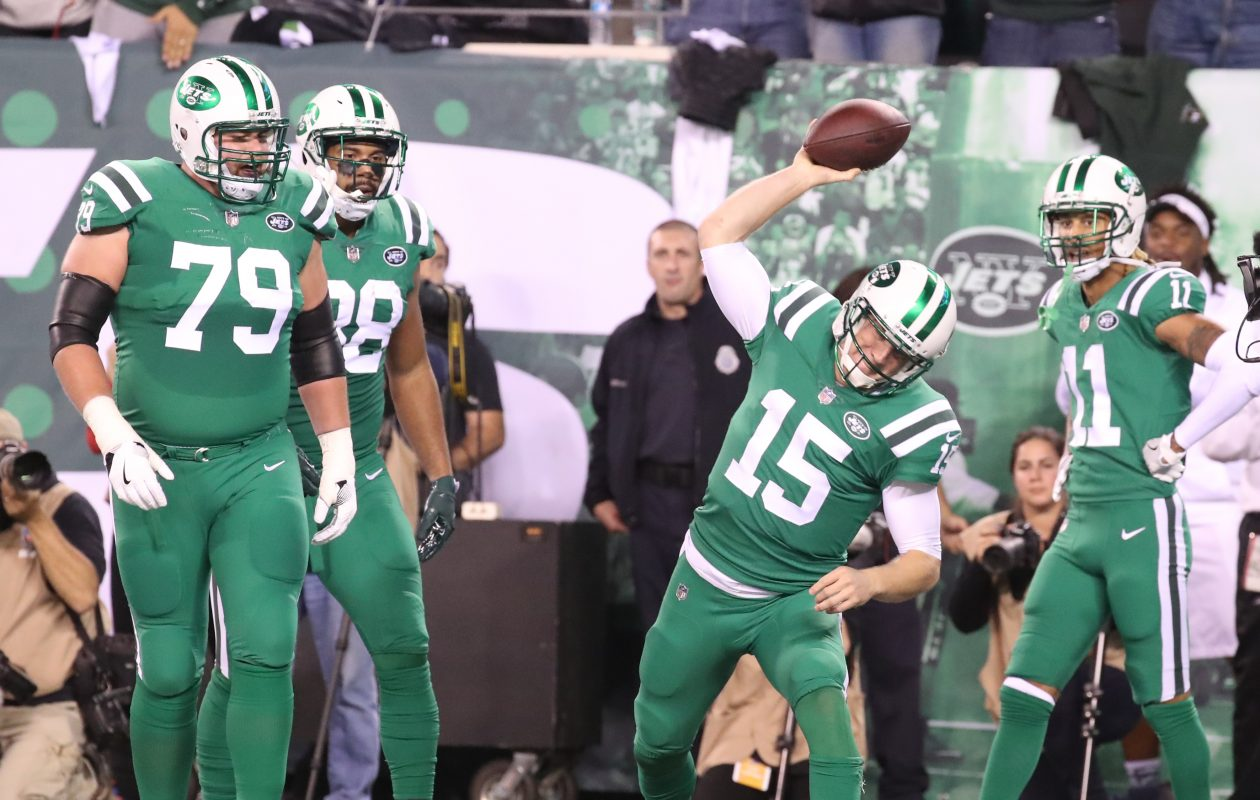 Jets quarterback Josh McCown (15) gets the call Sunday for New York. (James P. McCoy/Buffalo News)