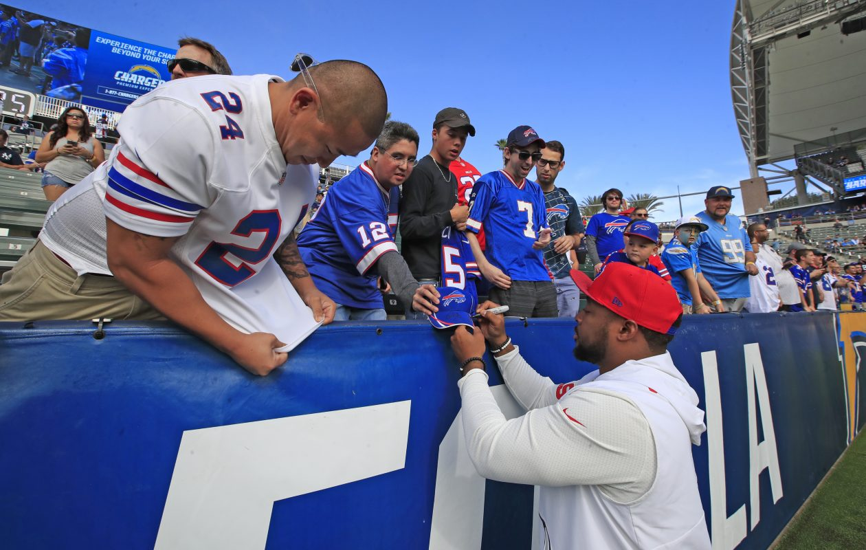 Buffalo Bills fullback Mike Tolbert signs autographs during pregame prior to playing the Los Angeles Chargers at the StubHub Center on Sunday, Nov. 19, 2017. (Harry Scull Jr./Buffalo News)