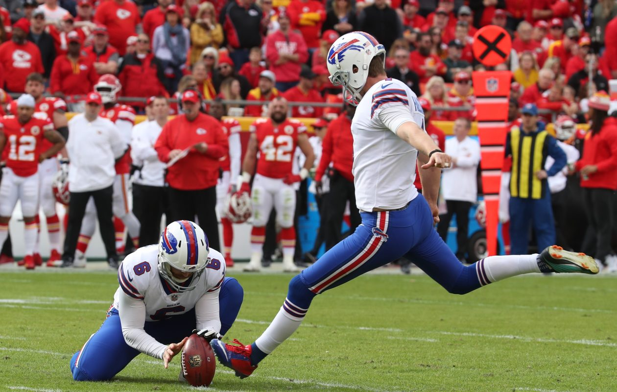 Stephen Hauschka converted three of his four field-goal attempts Sunday for the Bills against the Chiefs. (James P. McCoy/Buffalo News)
