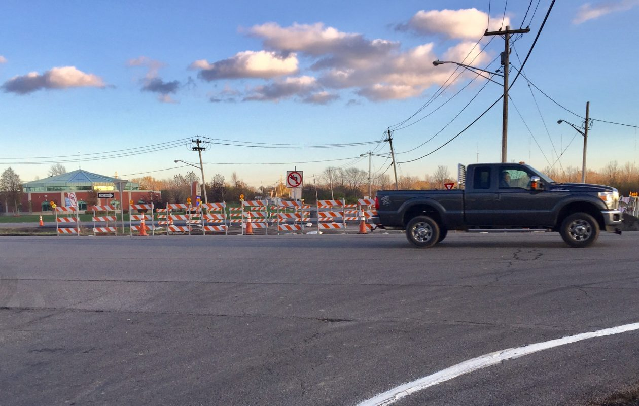 Barriers block the Bayview Road access between the westbound and eastbound lanes of Route 5. (Barbara O'Brien/Buffalo News)