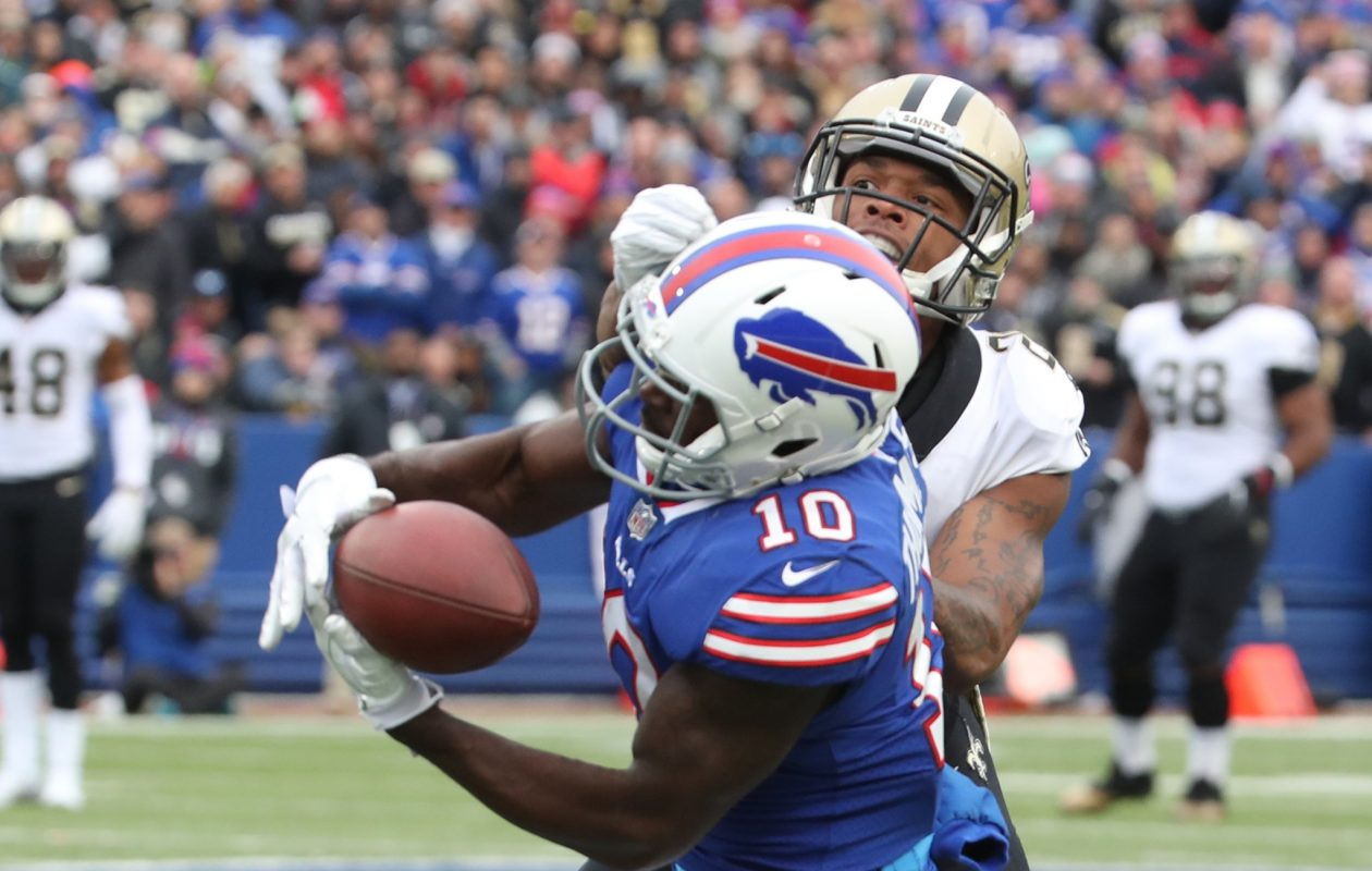 Buffalo Bills wide receiver Deonte Thompson (10) drops a pass while covered by New Orleans Saints cornerback P.J. Williams (26) in the second quarter.