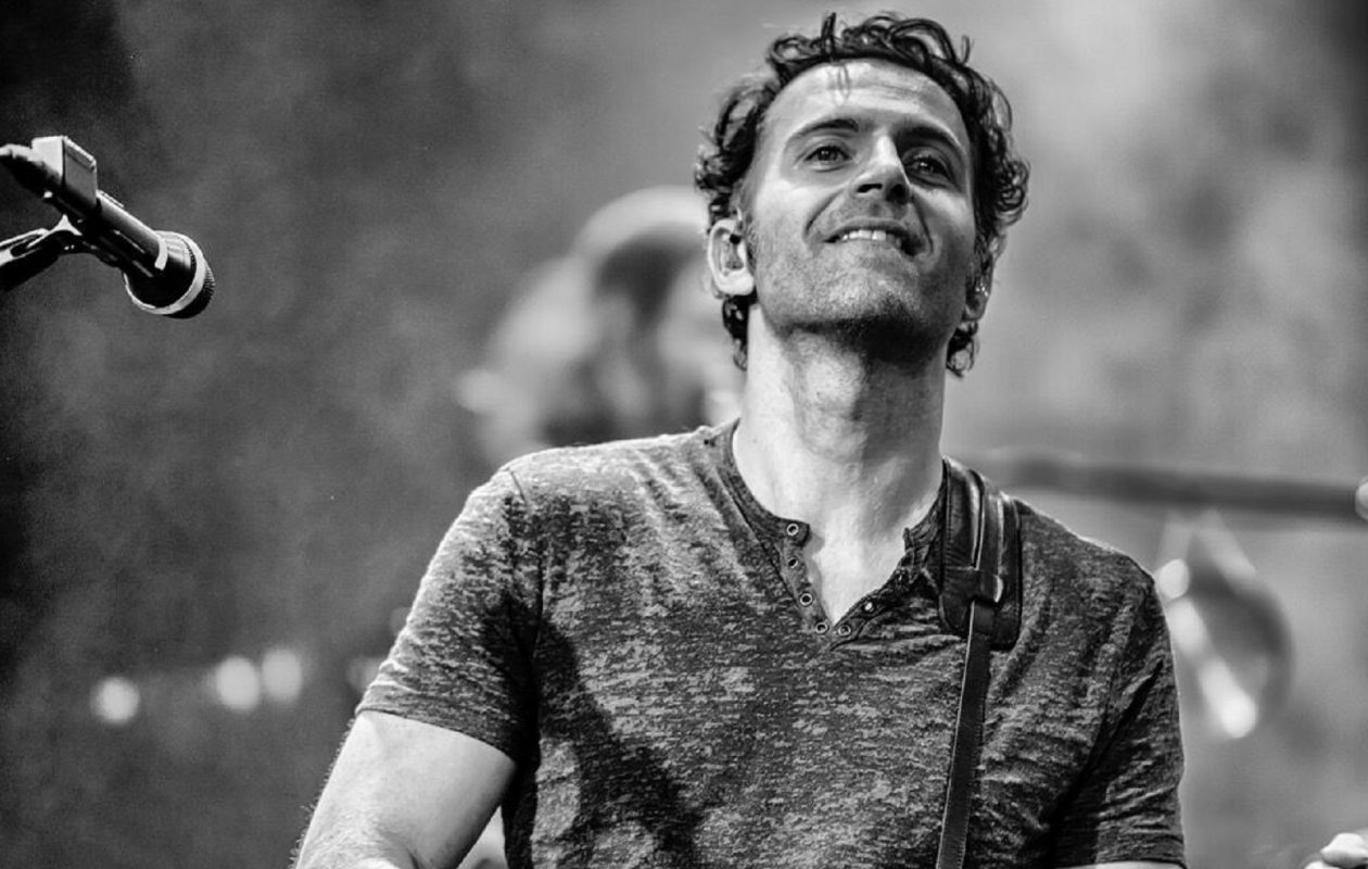 Dweezil Zappa will celebrate his late father's musical legacy at UB in April. (Photo by Jeff Dean)