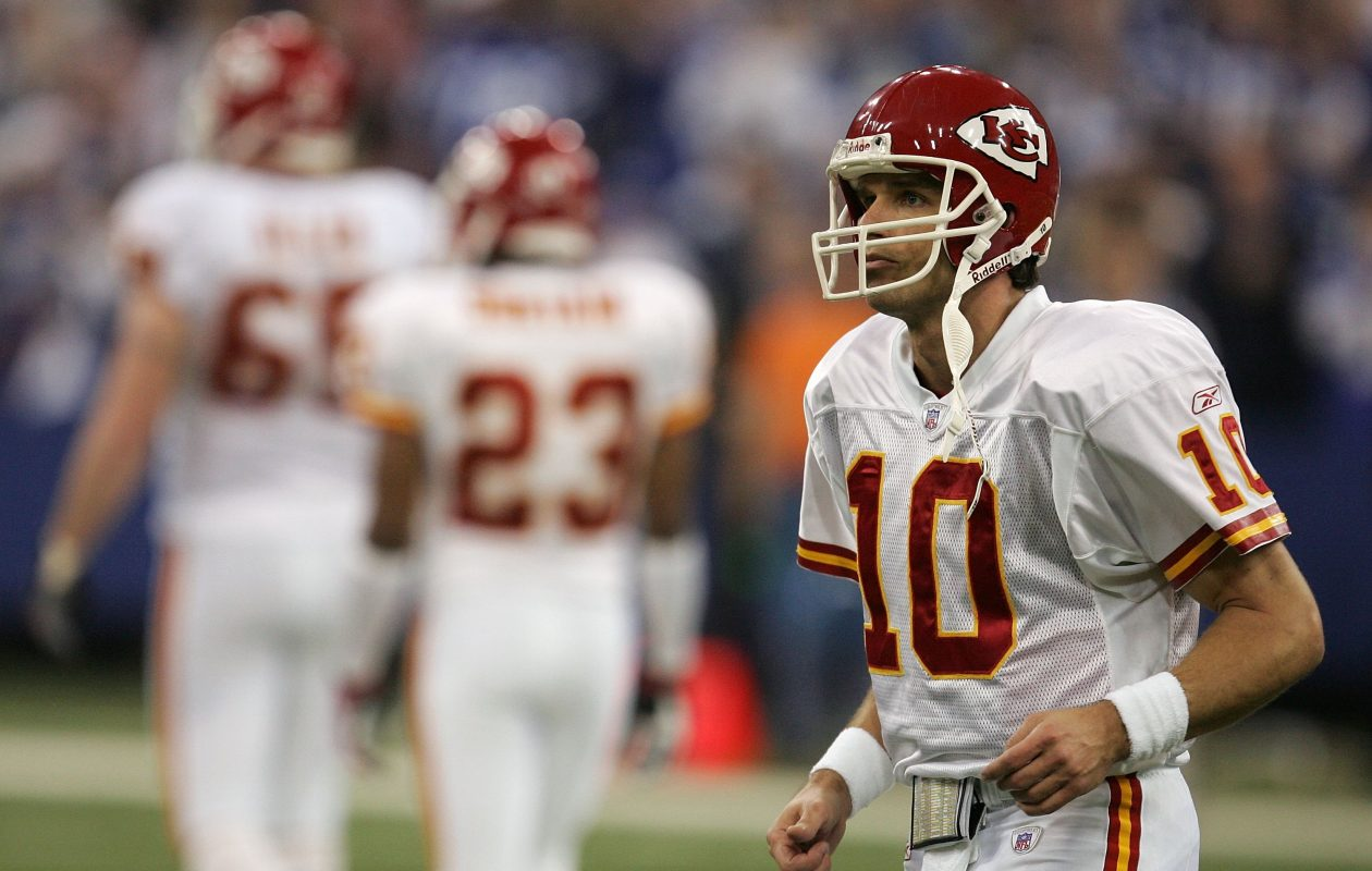 Quarterback Trent Green #10 of the Kansas City Chiefs walks towards the sideline against the Indianapolis Colts during their AFC Wild Card Playoff Game January 6, 2007 at RCA Dome in Indianapolis, Indiana. The Colts won 23-8.  (Photo by Jonathan Daniel/Getty Images)