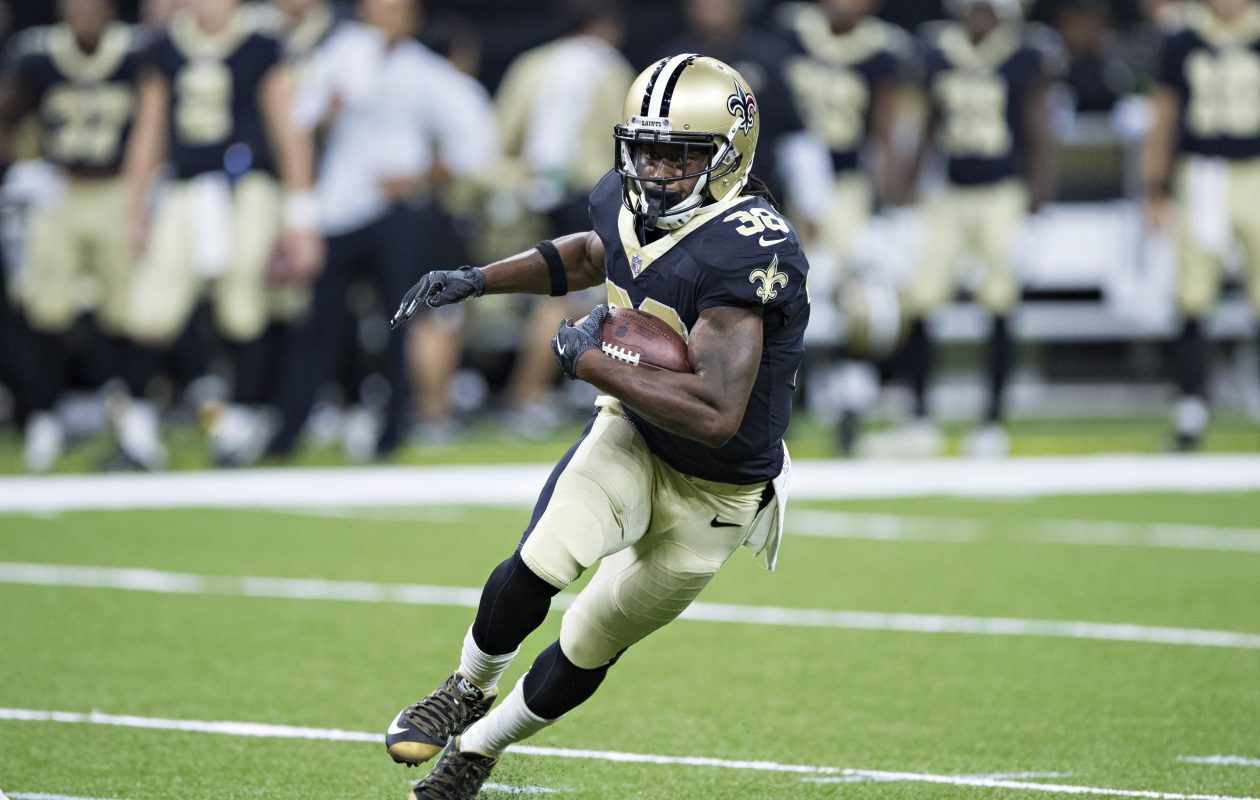 Travaris Cadet joins the Bills to replace injured Taiwan Jones as a reserve running back. (Wesley Hitt/Getty Images)