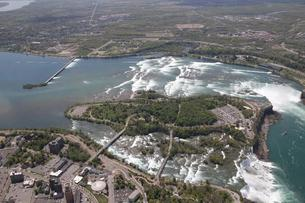 The state is acquiring property at 305 Buffalo Ave., Niagara Falls, in the lower left foreground of this photo, opposite the Goat Island parking lot at the east end of the island, which is on the left in this aerial photo. (Buffalo News file photo)