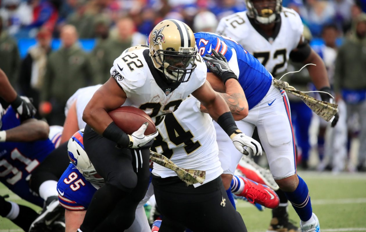 New Orleans Saints running back Mark Ingram runs through a big hole. (Harry Scull Jr./Buffalo News)