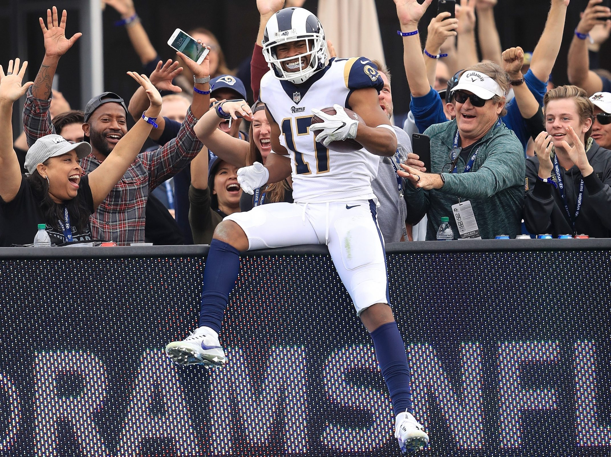 Wholesale Ex Bill Robert Woods relishes 'showcasing' receiving skills with Rams  for sale
