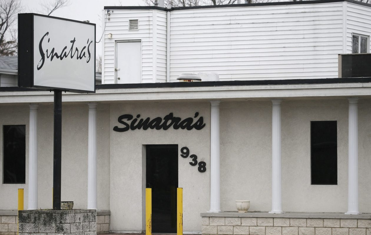 The current Sinatra's Restaurant will be demolished. (Derek Gee/News file photo)