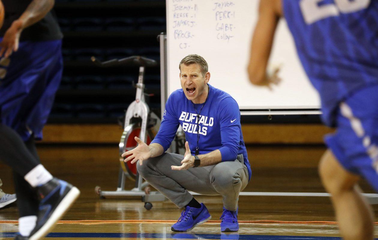 UB coach Nate Oats.  (Mark Mulville/Buffalo News)