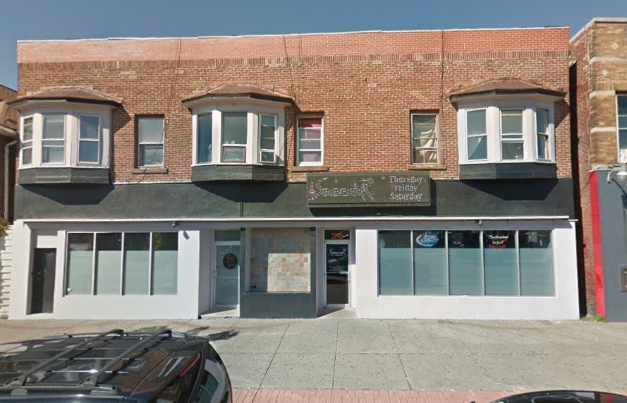 Neighbors and UB students are opposing a bar opening at this Main Street location. (Google Maps)