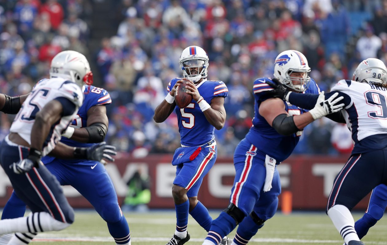 Bills quarterback Tyrod Taylor drops back to pass against the Patriots in Week 13, the game in which he was injured. (Mark Mulville/News file photo)