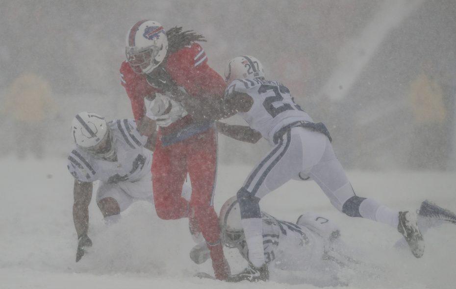 Kelvin Benjamin catches a pass. (James P. McCoy/Buffalo News)